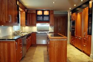 209967-cuisine-regionale-et-traditionnelle-cuisine-en-bois-de