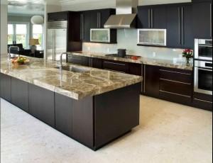 Plan-de-travail-de-cuisine-moderne-clair-en-granit-1